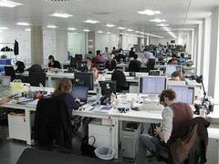 popular open-plan offices make employees less productive and happy