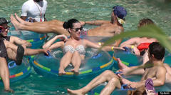 Katy Perry Rocks A Bikini While Relaxing In The Bahamas