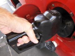 Gas Prices Expected to Remain Stable Over Memorial Day Weekend