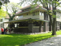 frank lloyd wright house walk: cessna house