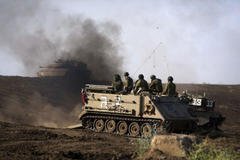 Israeli troops in Golan return fire from Syria